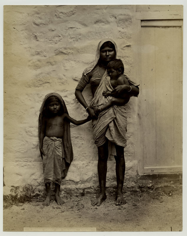 beggarwomanandchildren-india18802527s