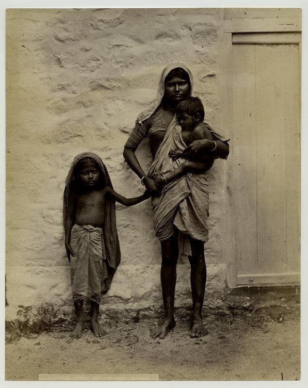 beggarwomanandchildren-india18802527s
